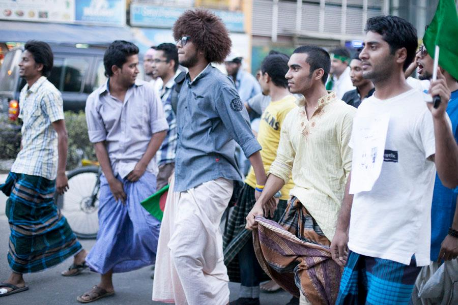 "Dhaka's ""tristate area"": Elitism, Self-Hatred, and Lungi War as"