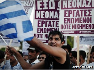Immigrants protest hate crimes in Greece