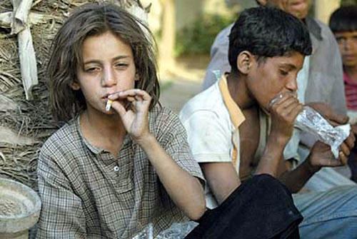 Source: http://ww.itimes.com/citizen-journalism/teenage-beggars-addicted-to-drugs