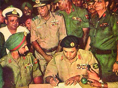 General Niazi surrendering to the Indian Army. Photo credit: Aftab Ahmed.