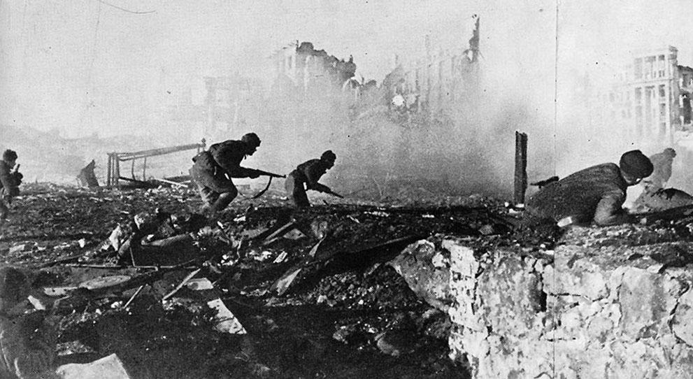 Soviet troops in the Battle of Stalingrad.